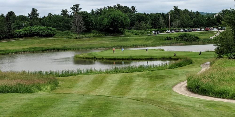 Fox Ridge's memorable island green